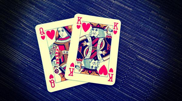 La terapia di coppia illustrata con due carte di cuori